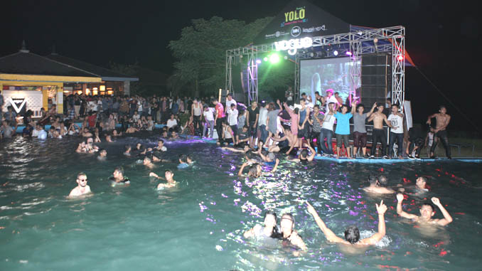 Party lovers enjoying the YOLO . Picture: Level Next