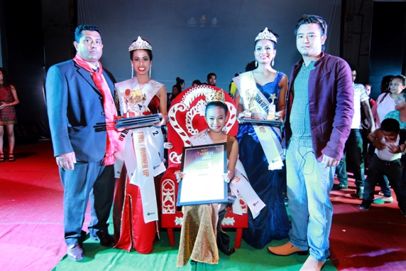 Photo session with the winner and runner ups of Miss +2 Gandaki. Picture: S2 Production/Sooraz Shrestha