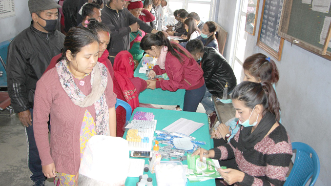 Collecting blood sample in free camp at Belchautara in Tahanun on Saturday. Picture: URL