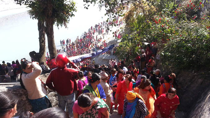 Devotees at Seti River bank in Pokhara on Friday. Picture: Recentfusion.com